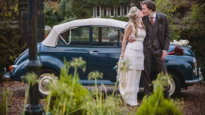 Morris Minor wedding car hire