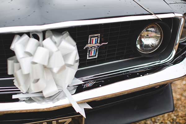 Ford Mustang Fastback transports the bride to her wedding