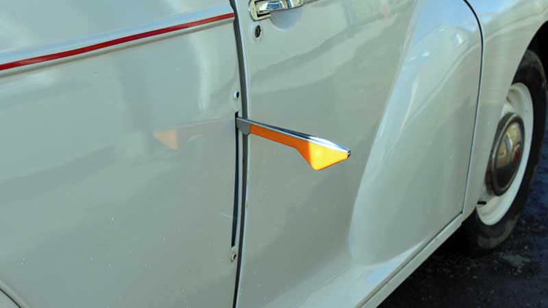 Old style Semaphore indicators on the Morris Minor