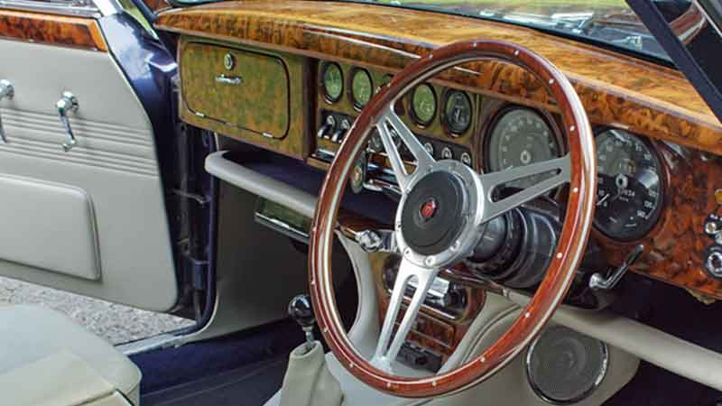 Jaguar S-Type interior