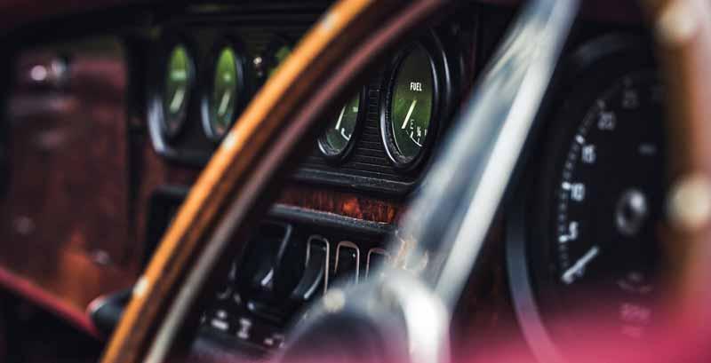 Jaguar-XK120-convertible