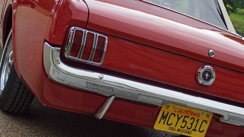 Hire a 1964 Ford Mustang